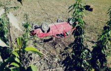 Cae automóvil a barranco en Tlaxiaco; un lesionado