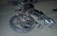 Resulta motociclista con TCE, conductor responsable huye y abandona su vehículo