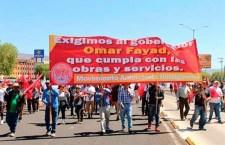 """Preparan mixtecos """"cadena humana"""" para exigir obras públicas"""