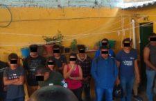 Aseguran a diez migrantes hondureños en hotel de Huajuapan | Informativo 6 y 7
