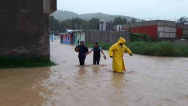 Declaran emergencia en 12 municipios de Oaxaca por ciclón