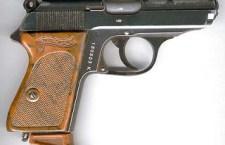 Aseguran a una menor por esconder un arma de fuego en su cintura