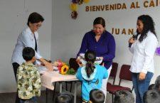 Presidenta Juanita Cruz, realizó la entrega uniformes y material escolar a niños del CAIC