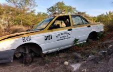 Localizan taxi abandonado y desvalijado en Acatlima, Huajuapan