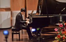 Manuel Casas, tras galardón internacional, fortalece su carrera profesional hacia el concertismo