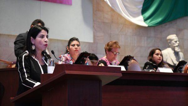 Deficiente el papel de Ana Vázquez en la Secretaría de las Mujeres Oaxaqueñas, critican diputadas