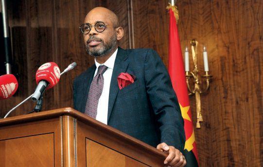 Ministro das Finanças confere posse a membros de Conselhos Fiscais e de administração de Instituições Públicas
