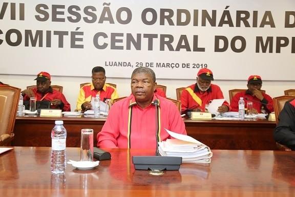 Mais de 190 empresas públicas em Angola serão privatizadas via Bolsa ainda este ano