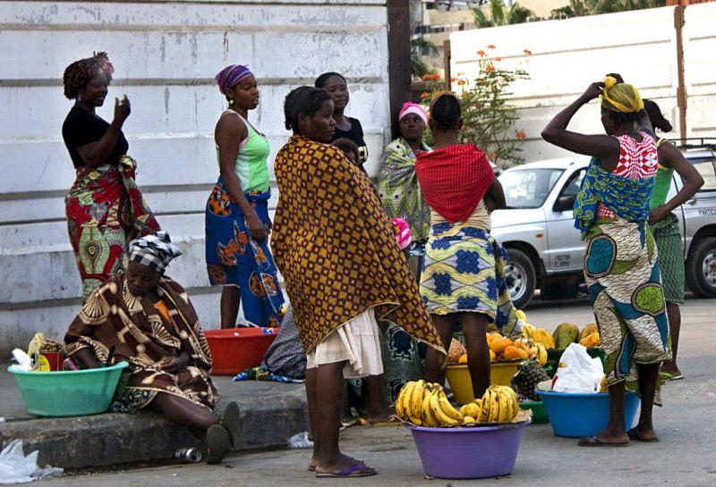Zungueiras de Luanda cada vez mais pobres, diz associação