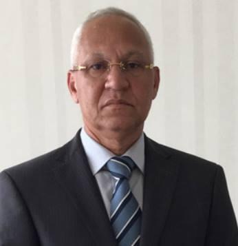 João Lourenço sacrifica ministro amigo