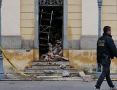 Um ano após incêndio, funcionários trabalham para resgatar acervo do Museu Nacional