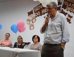 Prefeitura entrega kits para gestantes de Macaíba