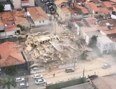 DESABAMENTO DE PRÉDIO EM FORTALEZA: Feridos sob os escombros estão fazendo ligações
