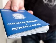 Número de desempregados cai, mas ainda atinge 12,4 milhões de brasileiros