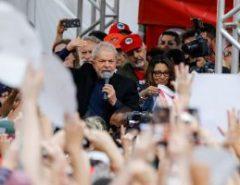 """Do ex-presidente Lula: """"A gente tem que seguir o exemplo do povo do Chile, atacar"""""""