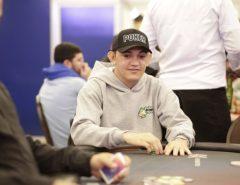 DETERMINAÇÃO: Ex-analfabeto, potiguar concorre a R$ 1,5 mi em torneio de pôquer e se prepara para o Mundial