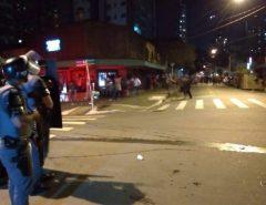 RESTABELECENDO A ORDEM: PM dispersa com bombas e gás lacrimogênio manifestação contra Bolsonaro em São Paulo