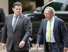Com apoio de Maia e Alcolumbre, Paulo Guedes entrega proposta do governo federal de reforma tributária; veja íntegra
