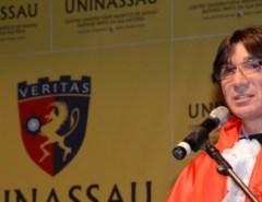 Paraibano, ex-engraxate, compra a dona da UNP no Brasil por R$ 4 bilhões