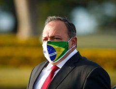 """Pazuello discorda de Bolsonaro e alfineta Dória: """"nenhum brasileiro terá vantagem"""" na vacinação contra Coronavírus"""