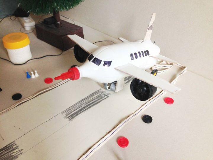 mainan dari botol bekas pesawat terbang