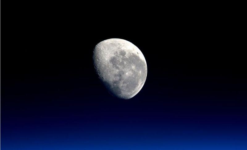 Sistem Tata Surya Pengertian Susunan Nama Planet dan Gambar