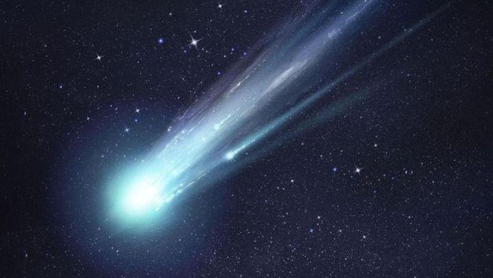 Komet halley di tata surya