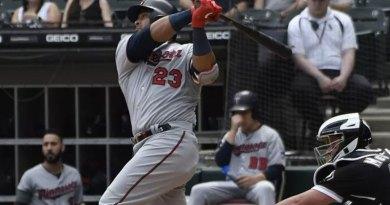 Nelson Cruz desafía el tiempo a 'batazos limpios' en Grandes Ligas