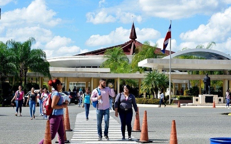 Un 65% de los estudiantes de la UASD ha concluido el semestre – .