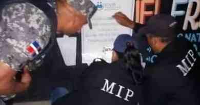 PN cerró negocio Villa Tapia por violar toque de queda