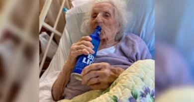 Mujer de 103 años vence al coronavirus y pide una cerveza