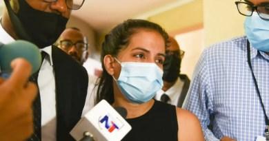 Operación Falcón: Excandidata a diputada se presenta ante el MP y dice «vine a dar la cara»