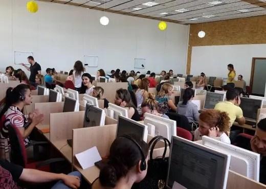 Të rinjtë në Shqipëri me master në Call Center