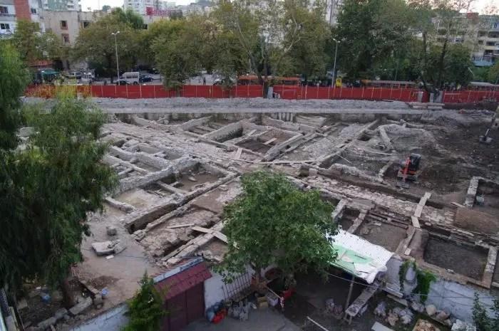 Durrës Bulevardi Dyrrah, problemi i përditshëm i drejtuesve të automjeteve