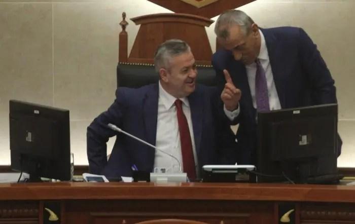 Nënkryetari i Kuvendit Myslym Murrizi ofendon për herë të dytë grupet vulnerabël/Romët dhe Personat me Sindromën Down