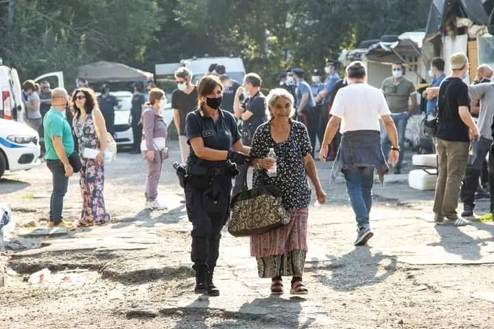 Itali/ Familjet rome dëbohen me forcë