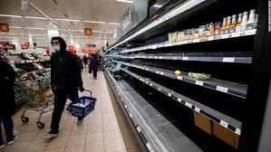 Britanikët boshatisin marketet pas njoftimit për ashpërsimin e masave antiCovid