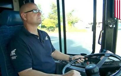 Info Santai: Pemandu Bas Ini Merasakan Ada Sesuatu Yang Tidak Kena Dengan Penumpang Dan Budak Disampingnya Dan….