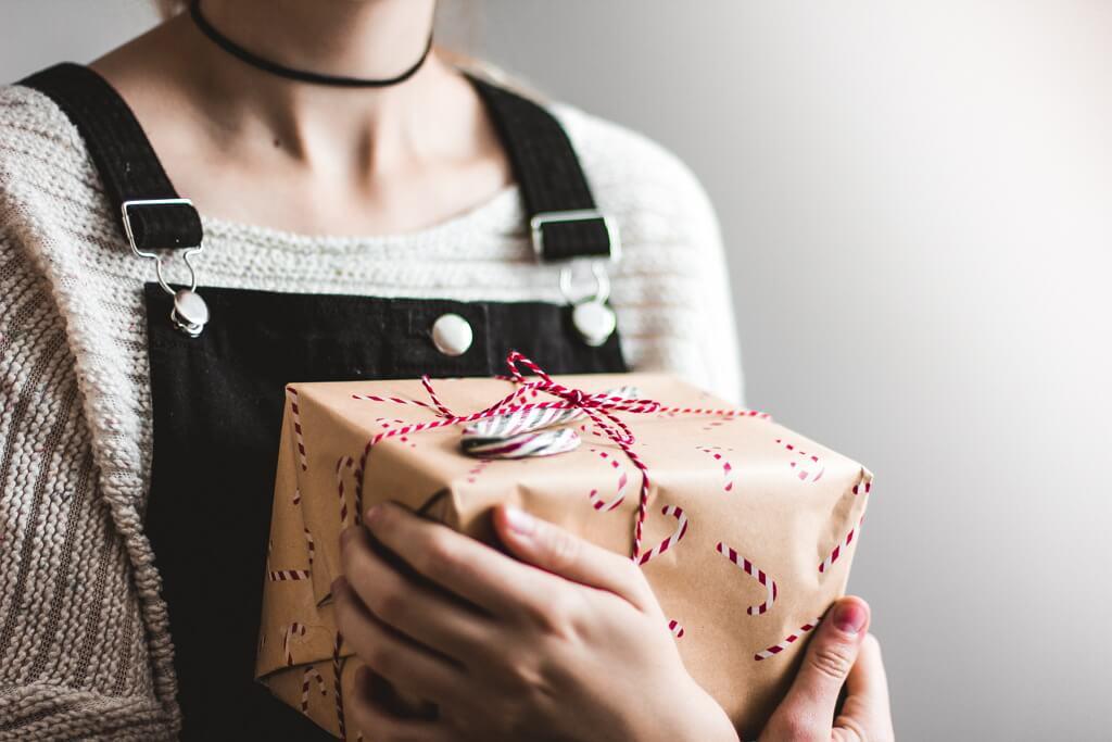 23+ Hadiah Untuk Wanita Yang Unik dan Menarik 2018