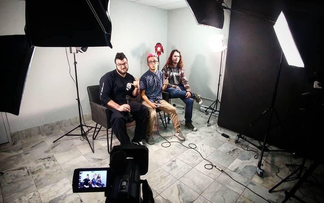Twice on tuesday se livre à nous dans les studios de ISQ
