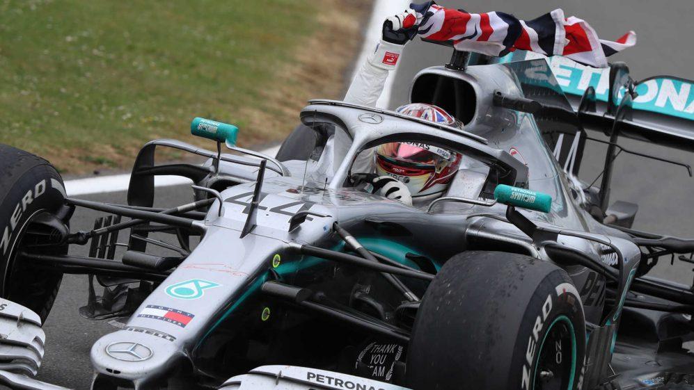 Hamilton gagne à Silverstone, au terme d'une «vraie» course