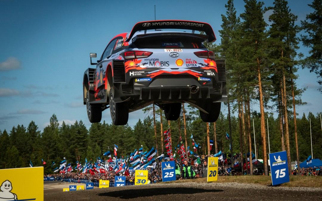 Ott Tänak fait un grand saut en Finlande