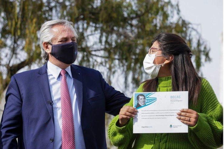 """En Varela Alberto llamó a """"defender la universidad pública"""""""