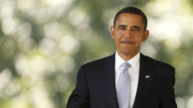 Photo of Obama Acknowledges Supporter Using Sign Language