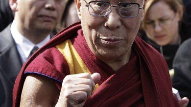 Photo of Dalai Lama Leaves White House Through Back Door