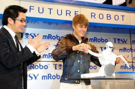 Bieber and Tosy Robotics at CES 2