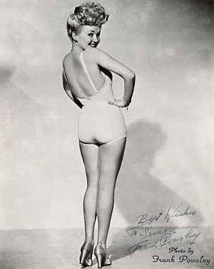English: Studio portrait photo of Betty Grable...
