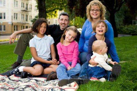 8 Ways to Encourage Adoptive Families 1