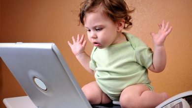 Photo of Tweeting at 4 Months Old: Should Your Baby Have A Social Media Account?