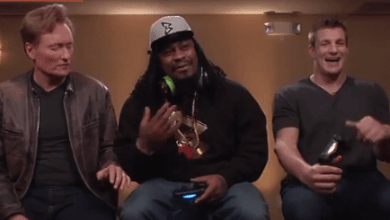 "Photo of Marshawn Lynch and Rob Gronkowski Play ""Mortal Kombat X"" With Conan O'Brien"